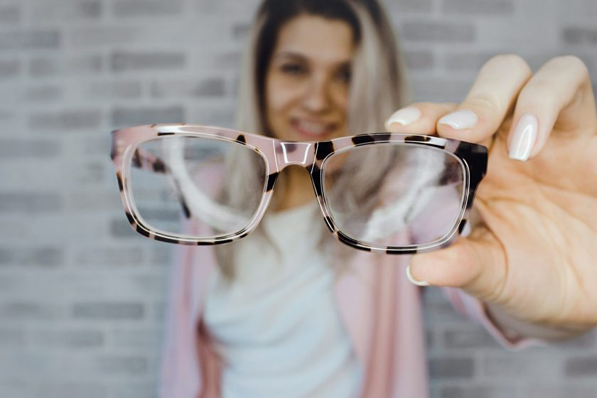 How To Pick The Right Glasses For Your Face