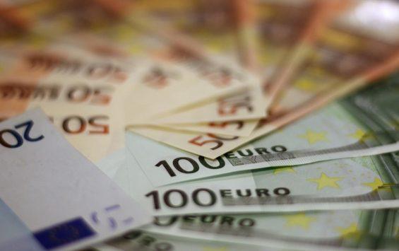 The Swiss Stock Market Climbed On Strength Of Bank Stocks.